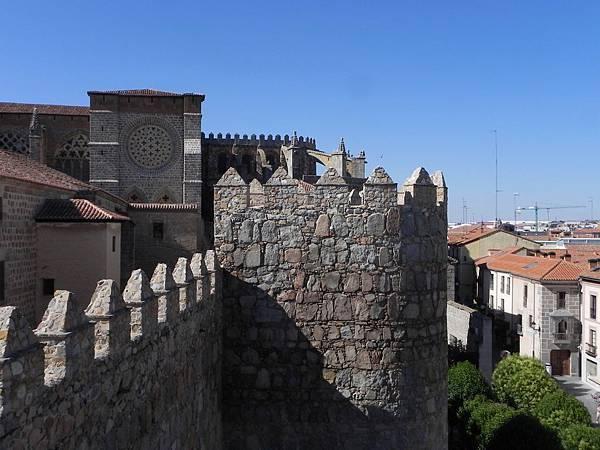 Las Murallas de Ávila (21).JPG
