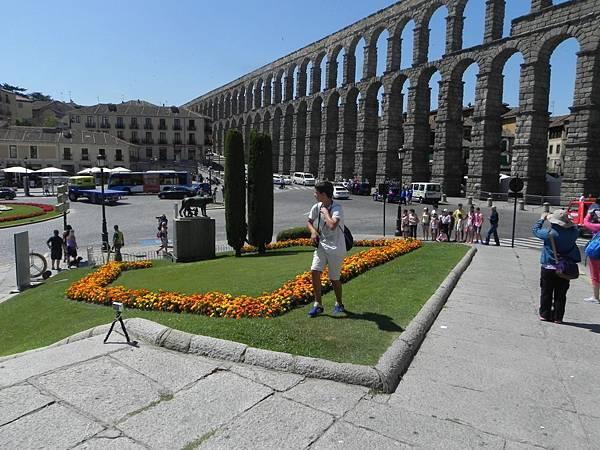 Acueducto de Segovia (1).JPG
