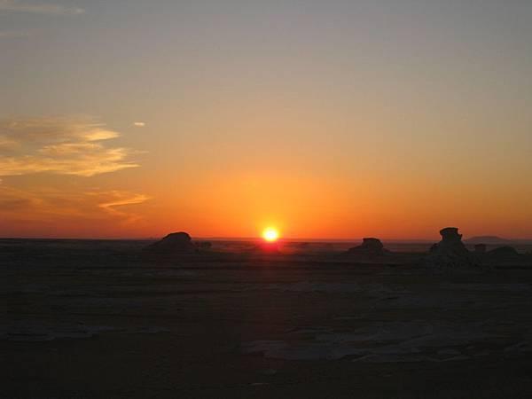 白沙漠與日落 (4).JPG