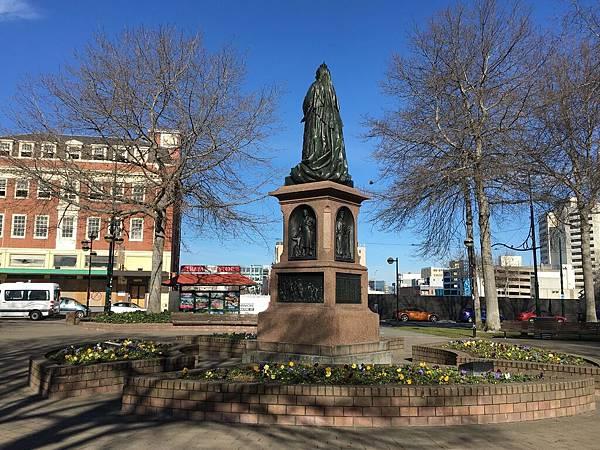 Victoria Square (11).JPG