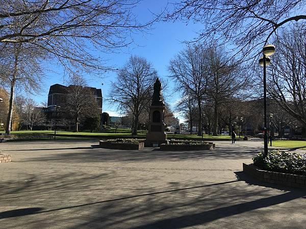 Victoria Square (13).JPG