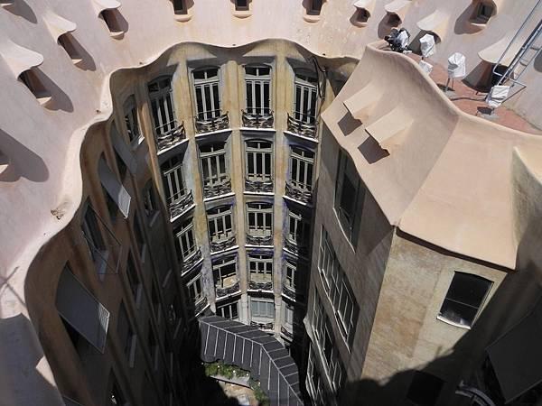 Casa Milà (21).JPG