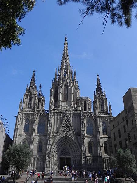 Barcelona Cathedral (1).JPG