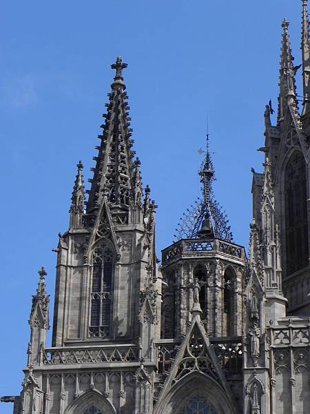 Barcelona Cathedral (3).JPG