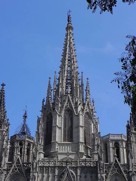Barcelona Cathedral (4).JPG
