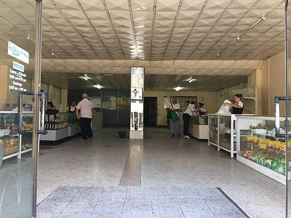 Cienfuegos街頭巷尾 (4).JPG