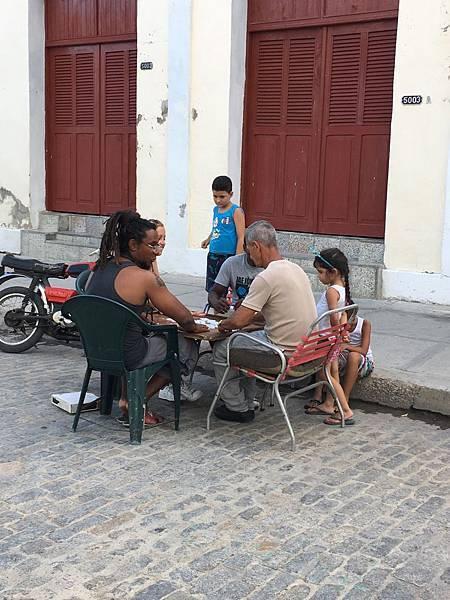 Cienfuegos街頭巷尾 (9).JPG