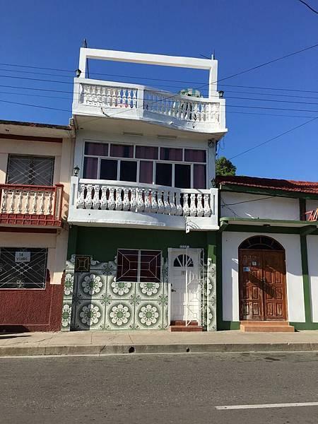 Cienfuegos街頭巷尾 (17).JPG