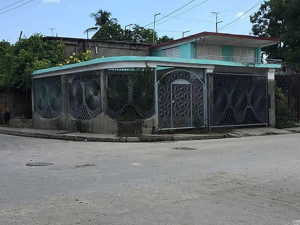 前往Plaza la Revolucion (14).JPG