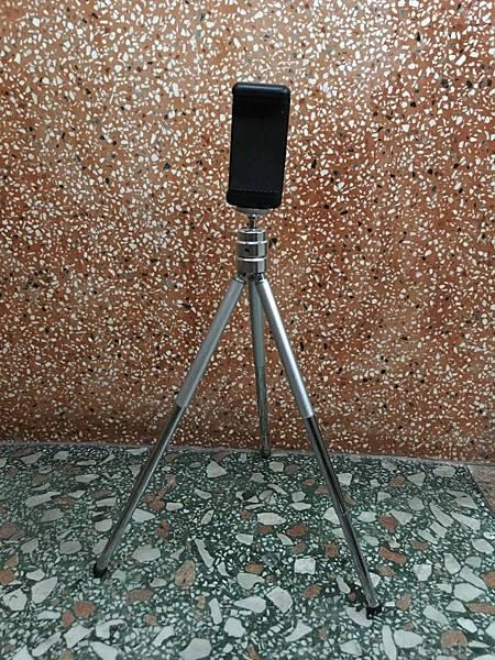 手機夾與腳架 (1).JPG