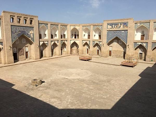 Alla Kuli Khan Madrasah (1).JPG
