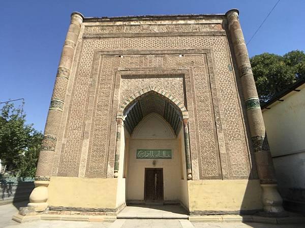 Khodjamni Kabri Mausoleum (1).JPG
