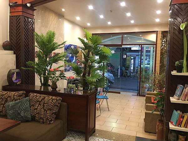 Artisan Lakeview Hotel (8).JPG