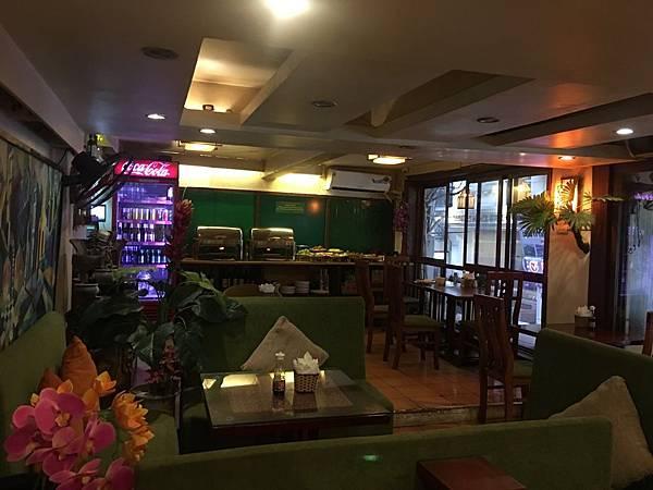 Artisan Lakeview Hotel (7).JPG