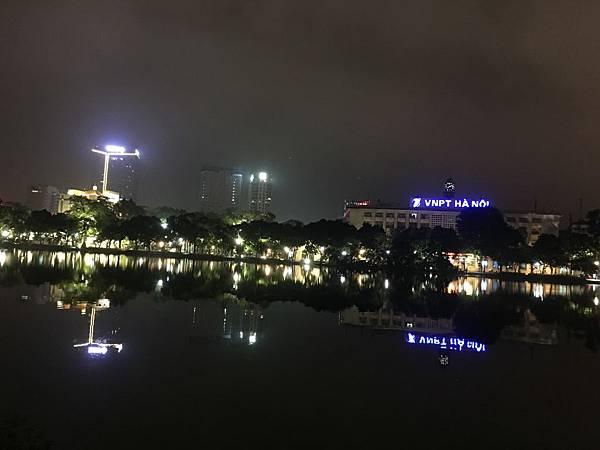 還劍湖夜景 (4).JPG