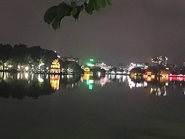還劍湖夜景 (3).JPG
