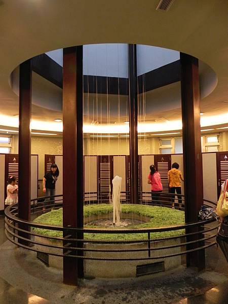 紫南宮的廁所 (1).jpg