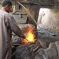 Al Qasr 傳統鐵匠.JPG