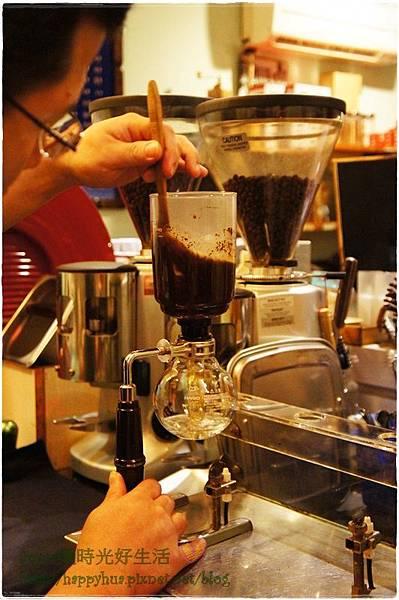 1380900532 1492210203 n - 熱血採訪│珈琲院~來一杯好咖啡 享受美麗好心情 座位很少 預約請早