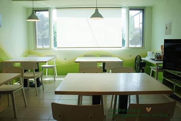 HOEM CAFE (29).JPG