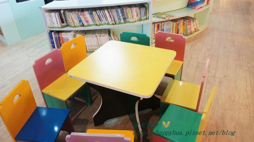 1428514939 2983588593 - 豐原區圖書館~美麗溫馨的豐原圖書館,親子共讀好地方,還有漫畫可以借喔!