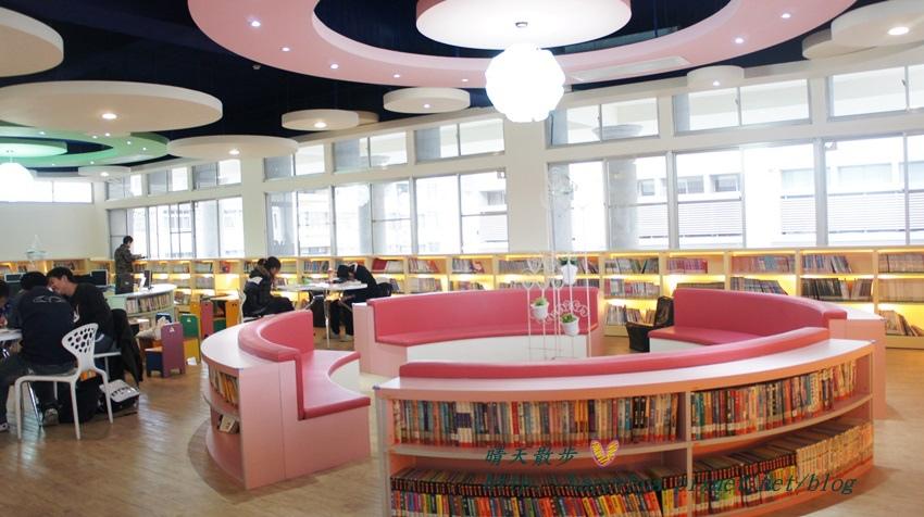 1428514944 3278291323 - 豐原區圖書館~美麗溫馨的豐原圖書館,親子共讀好地方,還有漫畫可以借喔!