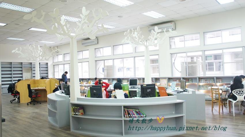 1428514954 3747094777 - 豐原區圖書館~美麗溫馨的豐原圖書館,親子共讀好地方,還有漫畫可以借喔!
