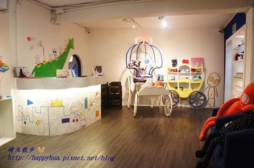 1437065731 1525831929 - [台中美食]à la sha Càfe台中旗艦店~充滿童趣插畫和外星人的親子友善餐廳 每個角落都吸睛 燉飯美味更加分