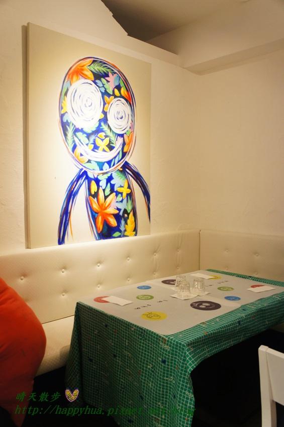 1437065756 3128907245 - [台中美食]à la sha Càfe台中旗艦店~充滿童趣插畫和外星人的親子友善餐廳 每個角落都吸睛 燉飯美味更加分