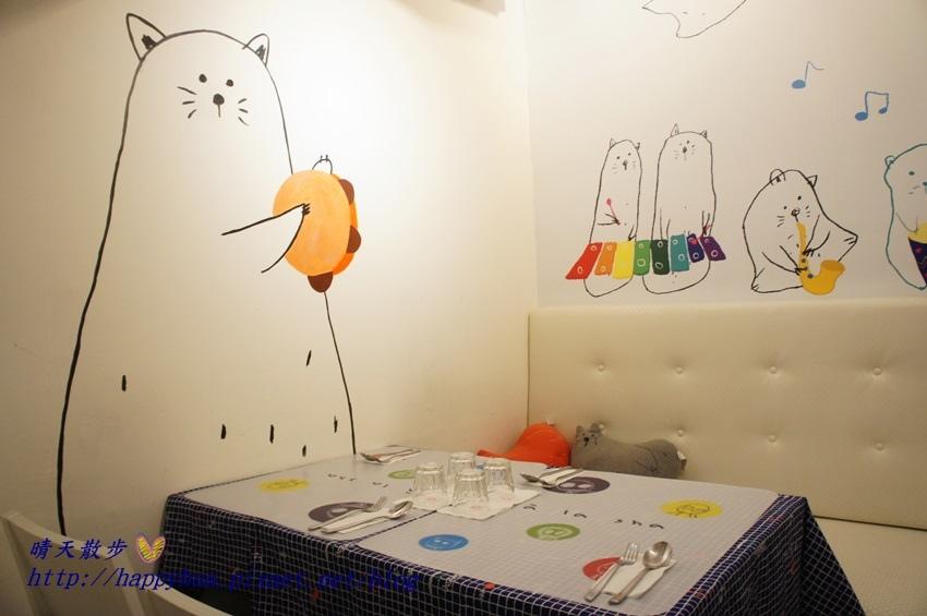 1437065771 1404951321 - [台中美食]à la sha Càfe台中旗艦店~充滿童趣插畫和外星人的親子友善餐廳 每個角落都吸睛 燉飯美味更加分