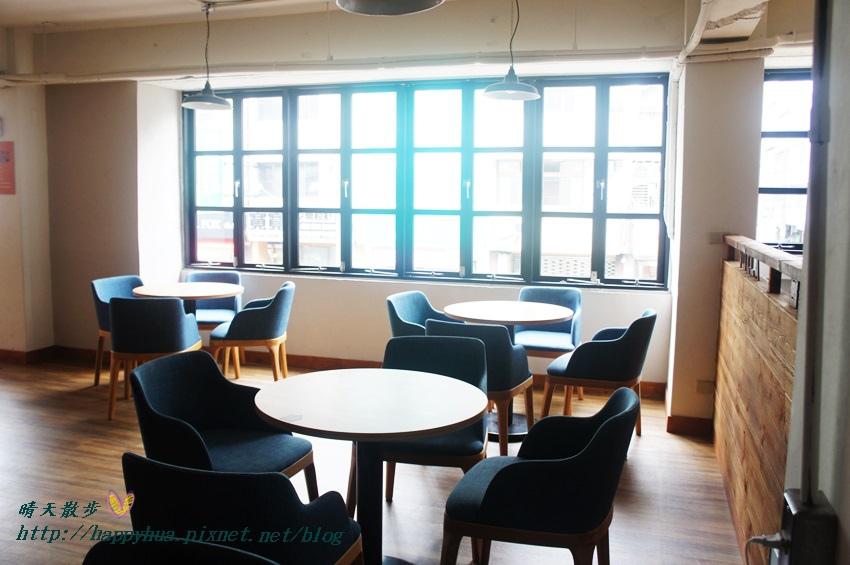 1439526452 432853412 - 這里Cafe & Restaurant~寬敞舒適義式輕食餐廳,也是親子友善餐廳,二樓有寬敞的兒童遊戲區喔