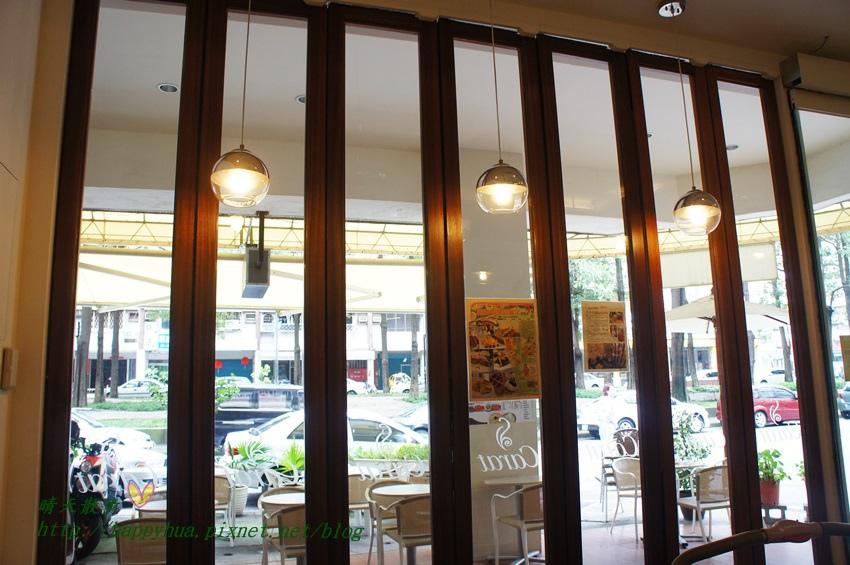 1440919980 3630576396 - [台中早午餐]北區∥克拉朵Carat Café:科博館附近的清爽早午餐 座位不多 附wifi和插座 平日提供商業簡餐