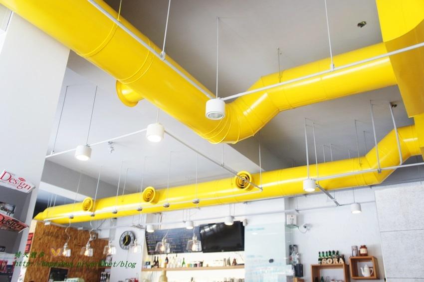 1448327790 647088064 - [台中早午餐]西區∥Café Sora/Coffee Industry~台中教育大學旁的輕食咖啡館 寬敞舒適明亮的工業風空間 附免費wifi 享受悠閒下午茶