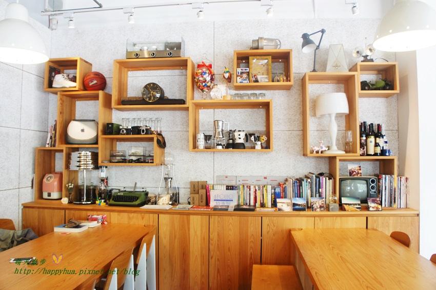 1448327812 809484878 - [台中早午餐]西區∥Café Sora/Coffee Industry~台中教育大學旁的輕食咖啡館 寬敞舒適明亮的工業風空間 附免費wifi 享受悠閒下午茶