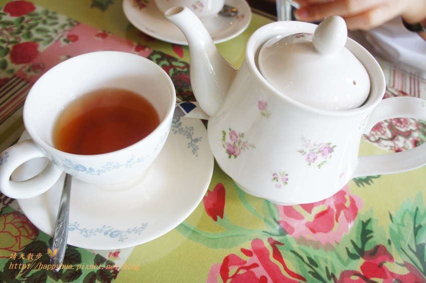 1451810291 855415246 - [台中早午餐]西區∥薔薇蘿拉咖啡館Rose Rora Café~在英式古典風的優雅環境中 彷彿貴婦般享用早午餐或下午茶 崇倫公園對面 路邊有停車格