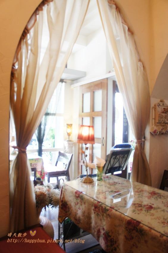 1451810318 1653988032 - [台中早午餐]西區∥薔薇蘿拉咖啡館Rose Rora Café~在英式古典風的優雅環境中 彷彿貴婦般享用早午餐或下午茶 崇倫公園對面 路邊有停車格