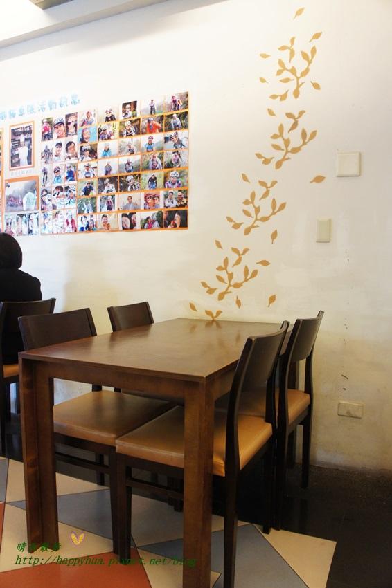 1453035312 2735278219 - [台中美食]南屯區∥加利利小館~充滿家常味的平價簡餐餐廳 選擇豐富 招牌菜色紅燒獅子頭 晚來吃不到喔