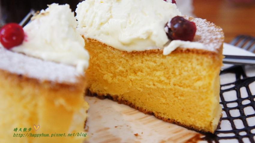 1455755859 913728354 - [台中早午餐]西區∥巴特2店(Butter 2 Brunch & Cafe)~近國美館、小大繪本館 色香味俱全的豐盛早午餐 還有蛋糕般的超厚鬆餅