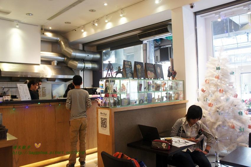 1458908099 2657471060 - [台中早午餐]北區∥橋Bridge Café早餐 咖啡 簡餐~一中街夜市裡的平價簡餐咖啡館 提供中西式早點和西式義大利麵、鬆餅 早上六點就開門營業喔