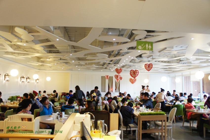 1461396245 2299723021 - [台中親子餐廳]北屯區∥梨子咖啡館崇德店Pear Cafe~優雅舒適的親子友善餐廳 悠閒的白沙沙坑 美麗的兒童繪本室 餐點豐富多元