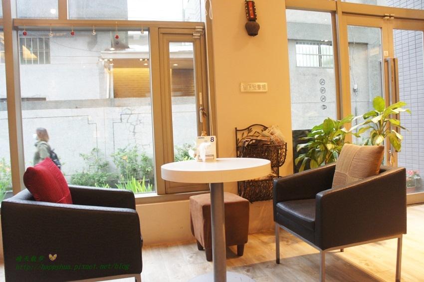 1462032579 419037097 - [台中美食]中區∥覓咖啡(Mi Café覓)~米卡沙旅店一樓餐廳 台中後火車站旁 早午餐、義大利麵、燉飯、漢堡 餐點選擇豐富 悠閒聚會好地方