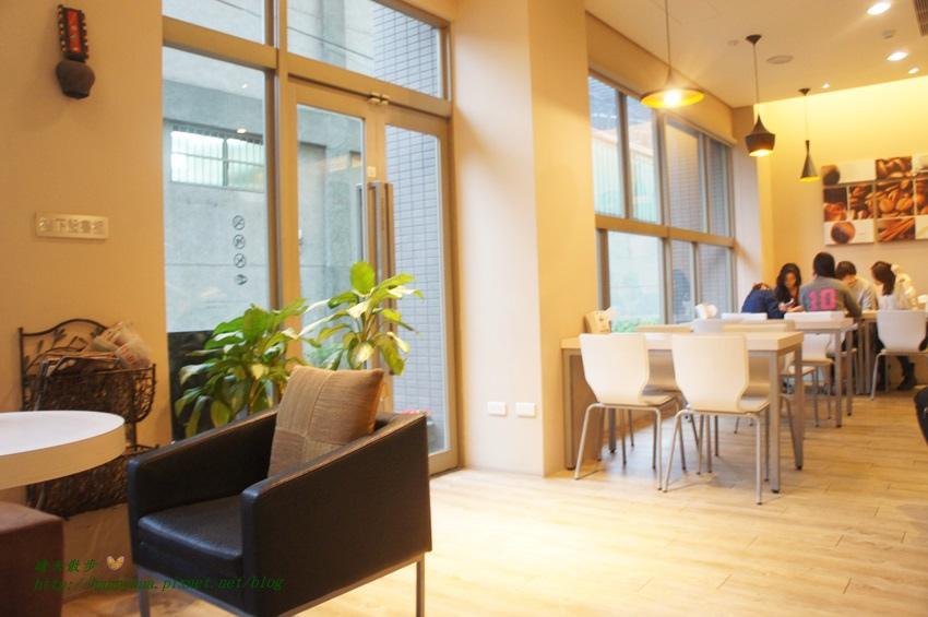 1462032580 3676481034 - [台中美食]中區∥覓咖啡(Mi Café覓)~米卡沙旅店一樓餐廳 台中後火車站旁 早午餐、義大利麵、燉飯、漢堡 餐點選擇豐富 悠閒聚會好地方