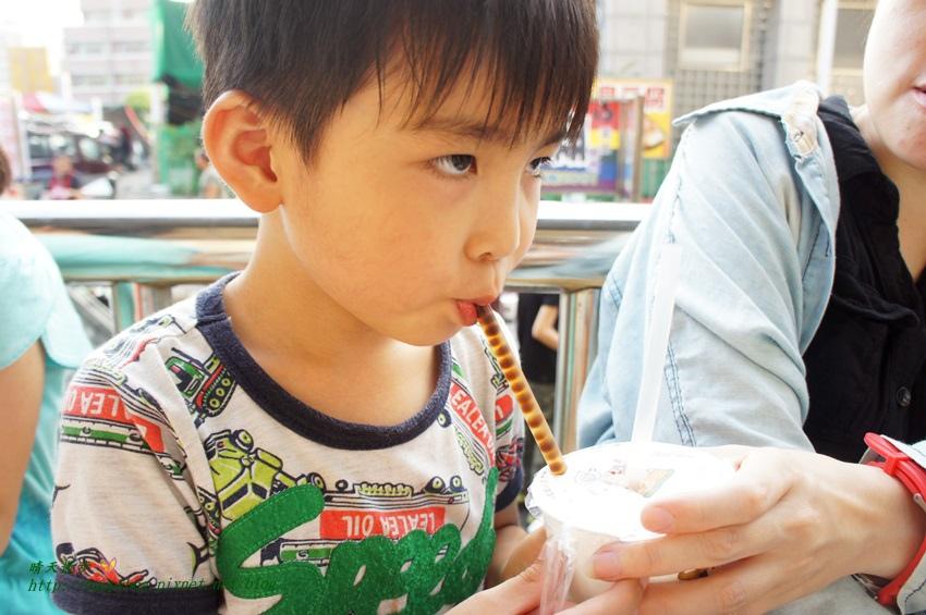 1470459522 2088087873 - [台中美食]豐原∥古厝手工粉圓~豐原八方夜市裡的古早味粉圓 小孩都喜歡 黑糖粉圓、冬瓜粉圓、鮮奶粉圓、仙草粉圓 變化多端 一杯30元起