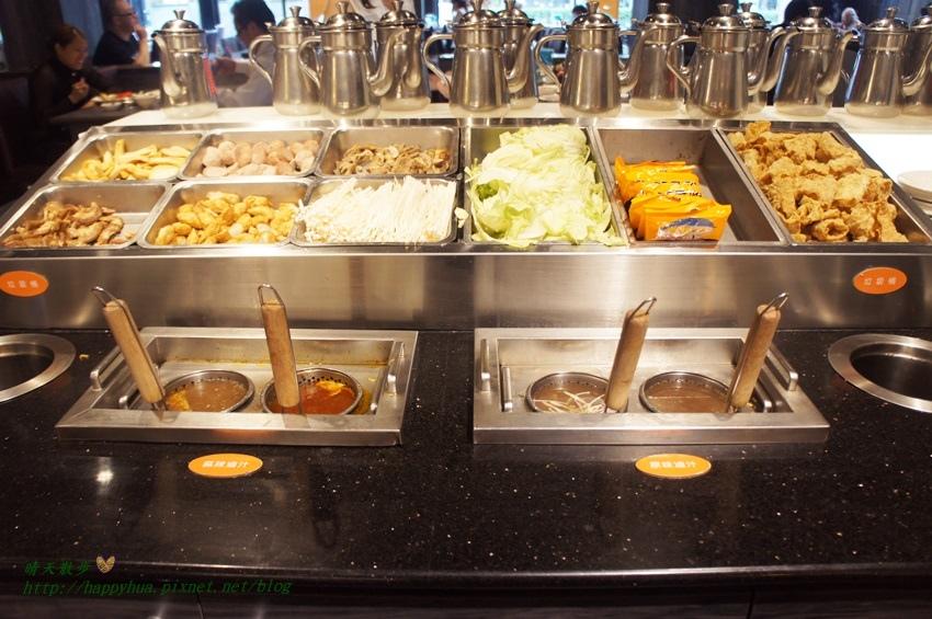 1470558565 2705654376 - [台中美食]北屯區∥鮮友精緻火鍋台中中清店~自助式火鍋吃到飽 可選火鍋或排餐 附熟食、壽司、燒烤、滷味、甜點、飲料吃到飽 停車方便