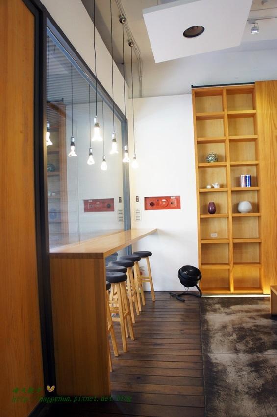 1472612045 1000392147 - [台中早午餐]西屯區∥目覺咖啡二店Mezamashi Urban~陽光綠意木質空間 清爽天然風味早午餐 餐點選擇豐富 環境低調優雅舒適