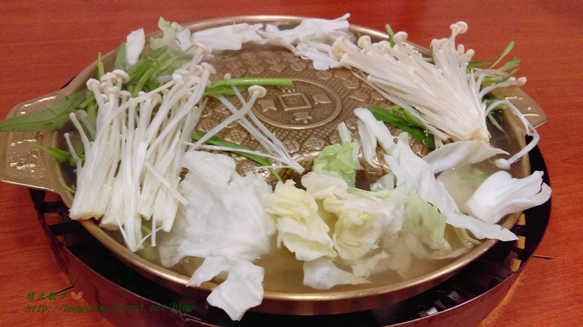 1476023134 424142172 - [台中美食]西區∥韓香亭~台中銅盤烤肉吃到飽 韓式泡菜鍋、韓式海鮮煎餅、泡菜煎餅 還有四款小菜無限續