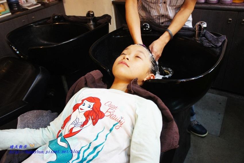 1479218245 1740973858 - [台中]西區∥香港風美髮沙龍~兒童剪髮200元起 兒童剪髮區坐小汽車剪髮看卡通 剪髮捐髮做公益