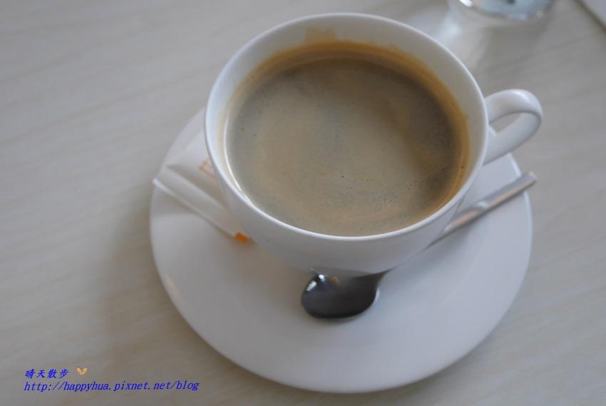 1481373016 2974099487 - 台中下午茶︱梨子咖啡館Pear Coffee中科店~寬敞優雅的親子友善餐廳 美麗豐富的下午茶 白色沙坑小孩最愛