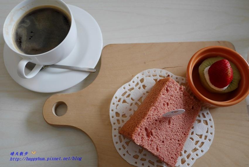 1481373026 2168093368 - 台中下午茶︱梨子咖啡館Pear Coffee中科店~寬敞優雅的親子友善餐廳 美麗豐富的下午茶 白色沙坑小孩最愛