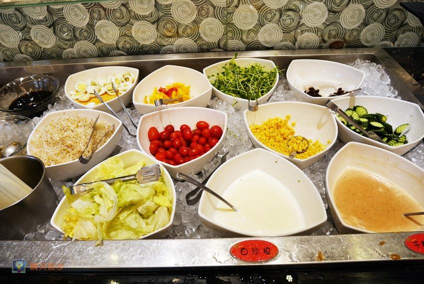 1497022410 2341939294 - 台中吃到飽︱鮮友火鍋中科二代旗艦店~火鍋吃到飽 還有豐盛的熟食、熱炒、滷味、燒烤、壽司 平日下午茶時段更優惠